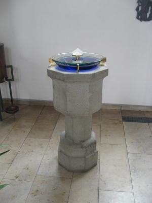 Taufstein neu mit blauen glaseinsatz, glasdeckel und bergkristallgriff